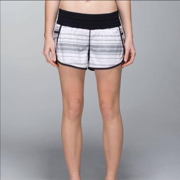 Lululemon Tracker Shorts Black and White strip 10